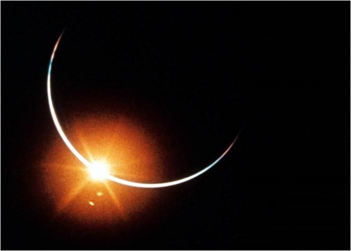 美国阿波罗12号升空50周年 NASA公布宇航员从月球返回地球时拍摄的日食照片