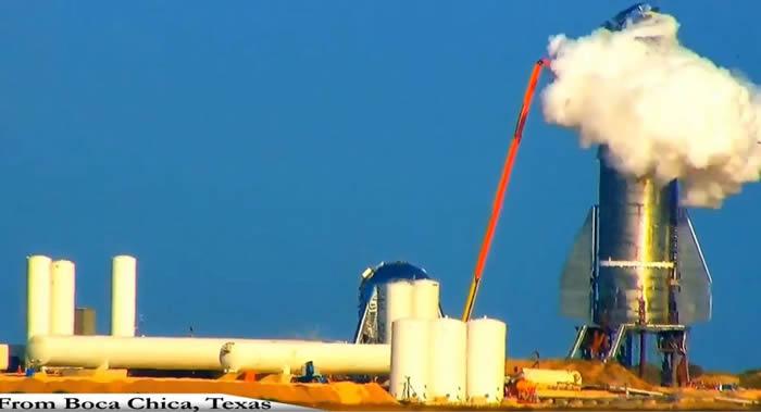 SpaceX的Starship Mk1航天飞船原型机在试验时发生爆炸