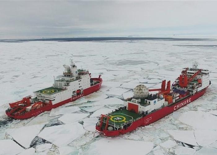 """中国首次实现""""双龙探极""""的南极科学考察之旅。"""