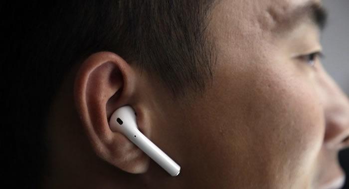 俄罗斯医生讲解微型耳机对健康的危害 以及怎么去避免听力受损