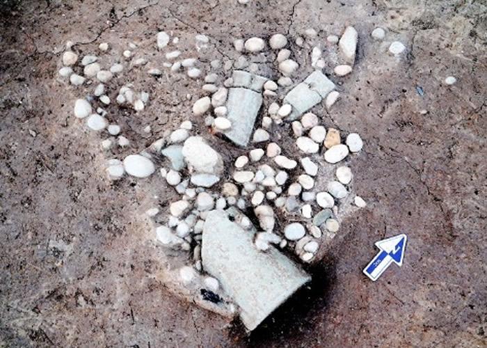 山东青岛黄岛区琅琊镇琅琊台山上的琅琊台遗址年代可能是东周时期