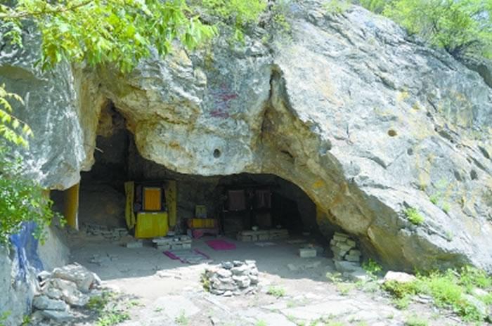 天津首次发掘旧石器时代洞穴遗址朝阳洞