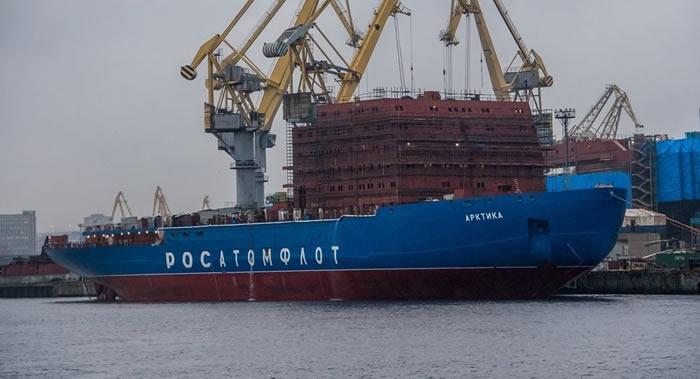 """世界上功率最强大的俄罗斯核动力破冰船""""北极""""号将投入试航"""