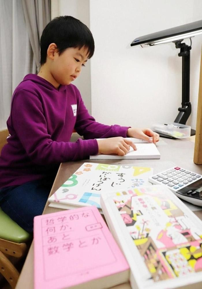 日本兵库县9岁数学神童安藤匠吾通过大学级数学测试 创最年轻合格纪录