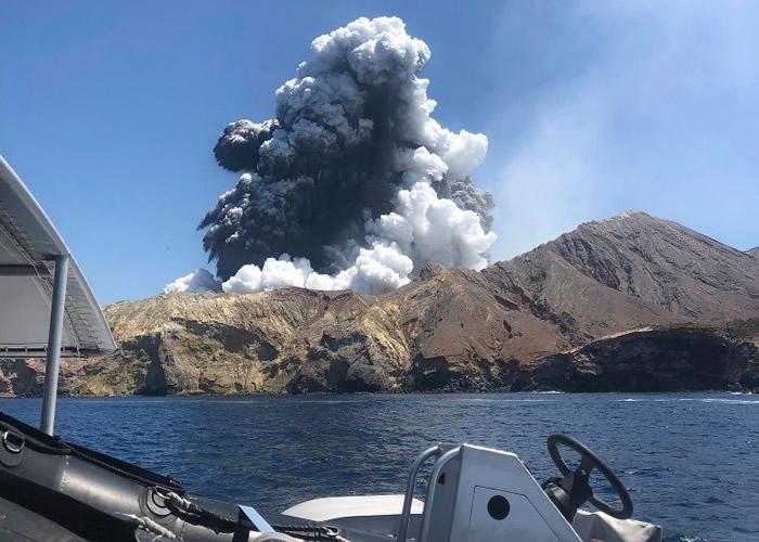 新西兰旅游胜地怀特岛火山喷发 造成重大伤亡