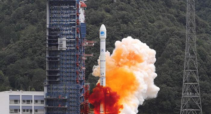 """中国以""""一箭双星""""形式成功将北斗卫星导航系统第52、53颗卫星送入预定轨道"""