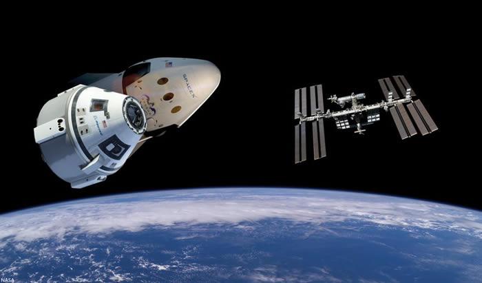 美国最新型Starliner太空船将载着假人宇航员罗西和圣诞礼物首次前往国际空间站