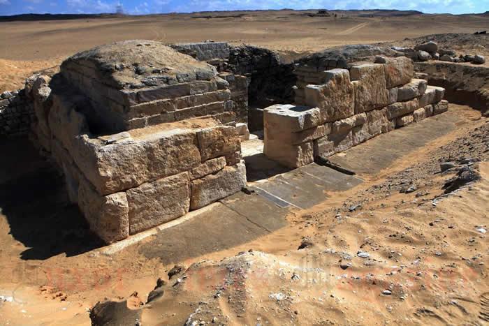 古埃及王后肯塔卡维斯三世墓室的发现可能对今当世界有一些阴郁的预兆