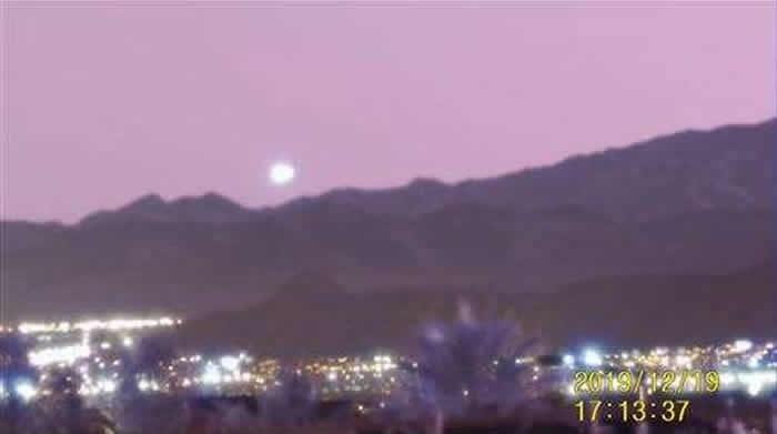 美国内华达州拉斯维加斯UFO现踪时速1600km飞行?