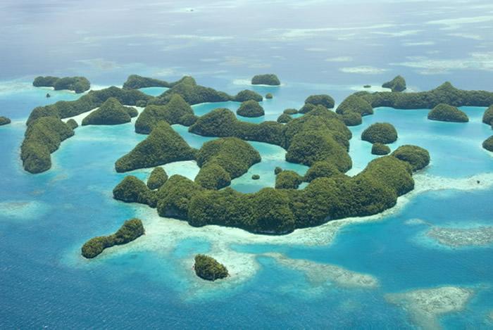 太平洋岛国帕劳成为全球第一个禁止使用对珊瑚、海洋生物有害的防晒霜的国家