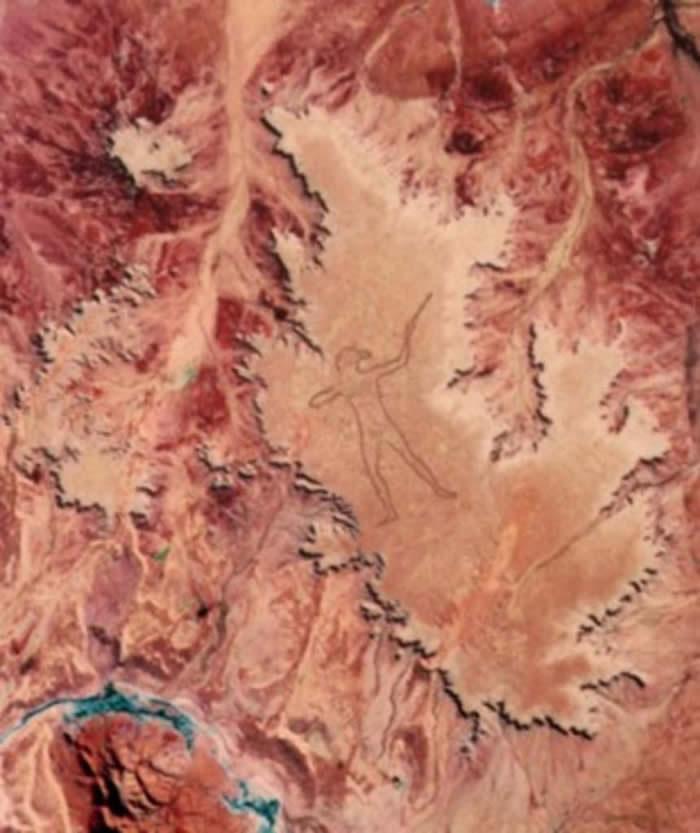 """NASA称澳大利亚菲尼斯高原神秘巨型线条画""""马里人""""仍是未解之谜"""
