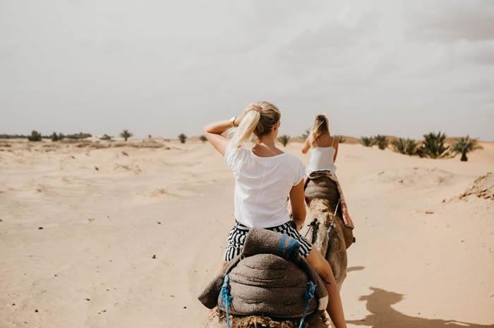 阿亚拉就骑骆驼意外向TripAdvisor提告;图非事主。(Getty Images图片)