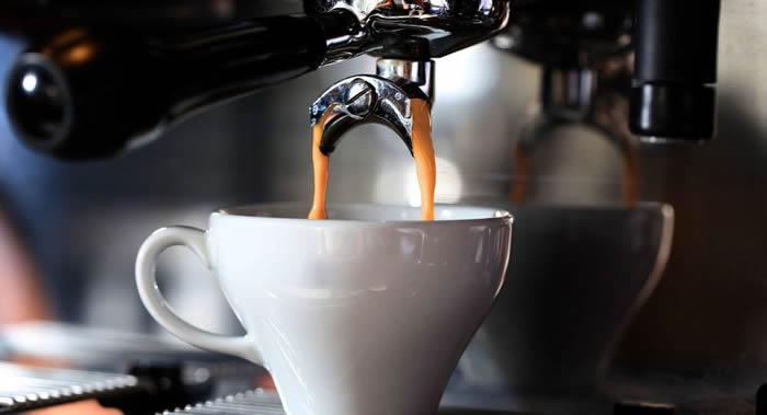 日本《朝日新闻》:过量喝茶和咖啡的危害