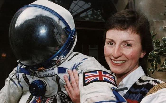 英国首位宇航员海伦·沙曼:外星人是存在的 而且很可能就生存在地球上