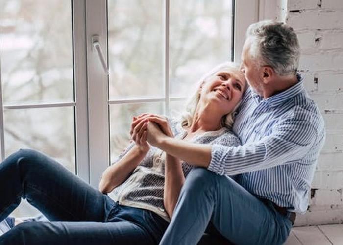 研究发现每周有性爱习惯的女性提早进入更年期的机会更低