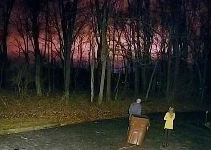 美国俄亥俄州夜空闪现缤纷彩光 奇异现象难以解释