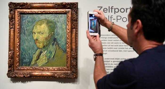 收藏在挪威博物馆中的荷兰后印象派画家文森特·梵高的自画像为真迹
