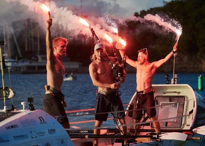 35天划艇横渡大西洋 英国苏格兰三兄弟破世界纪录