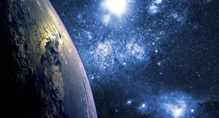 """俄罗斯""""宇宙航向""""公司计划将游客送入太空 预计起航5年后开始获利"""