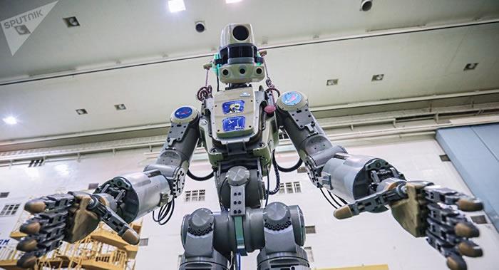 印度空间研究组织的女人形机器人将搭乘无人飞船上太空