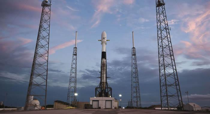 """SpaceX携带""""星链""""互联网卫星的""""猎鹰9""""号火箭发射推迟到下周"""