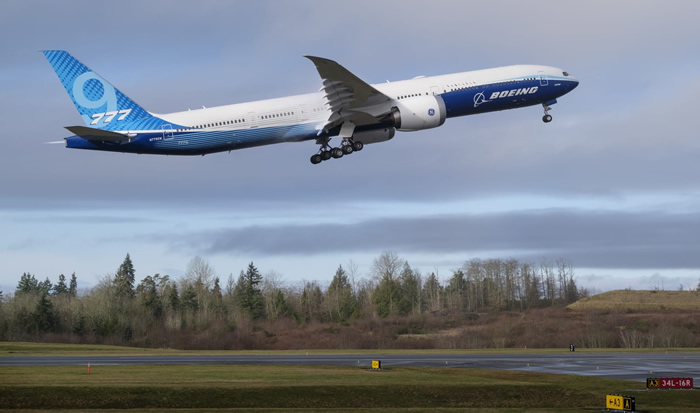 波音777X完成首飞 是目前世界上最大的双引擎喷气客机