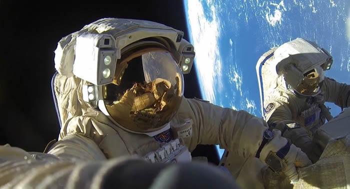 多名俄罗斯宇航员收到搭乘美国宇宙飞船的建议