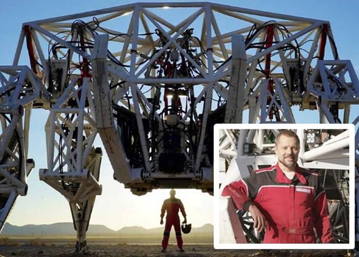 """加拿大男子Jonathan Tippett研制出巨型四脚机械架""""Prosthesis"""" 创健世界纪录"""