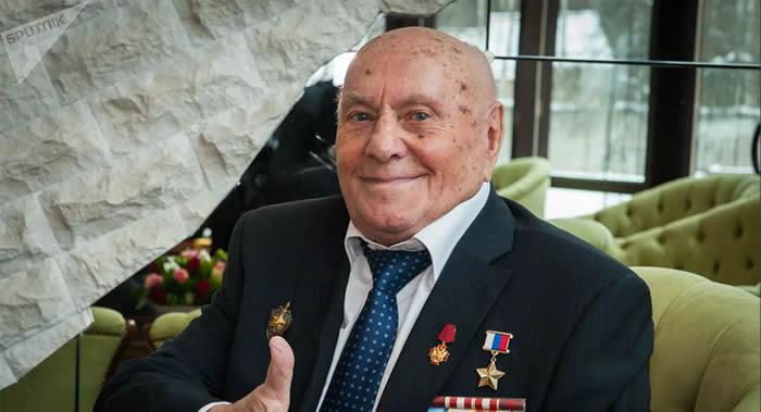 俄罗斯二战传奇侦察员阿列克谢•博强迎来103岁生日
