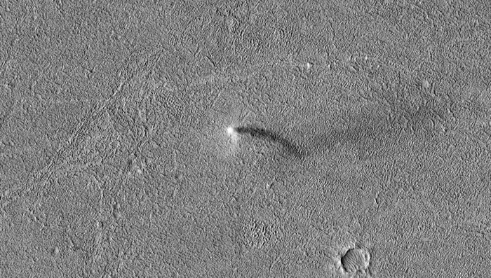 "NASA火星勘测轨道飞行器(MRO)捕捉到火星""尘魔跳舞""罕见画面"