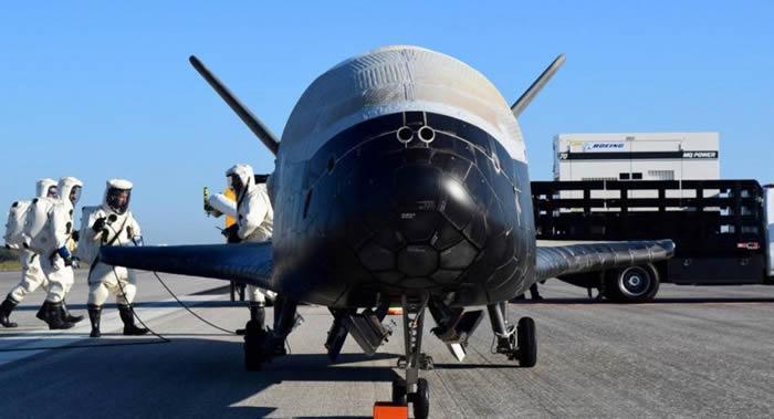 美国空军太空追踪网站space-track.org披露小型X-37B空天飞机释放3颗用途不明的卫星