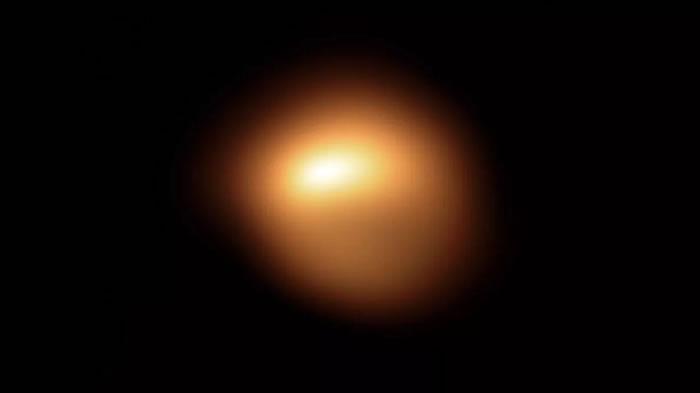 猎户座红超巨星参宿四最近一直在活动 或有可能会爆发成超新星
