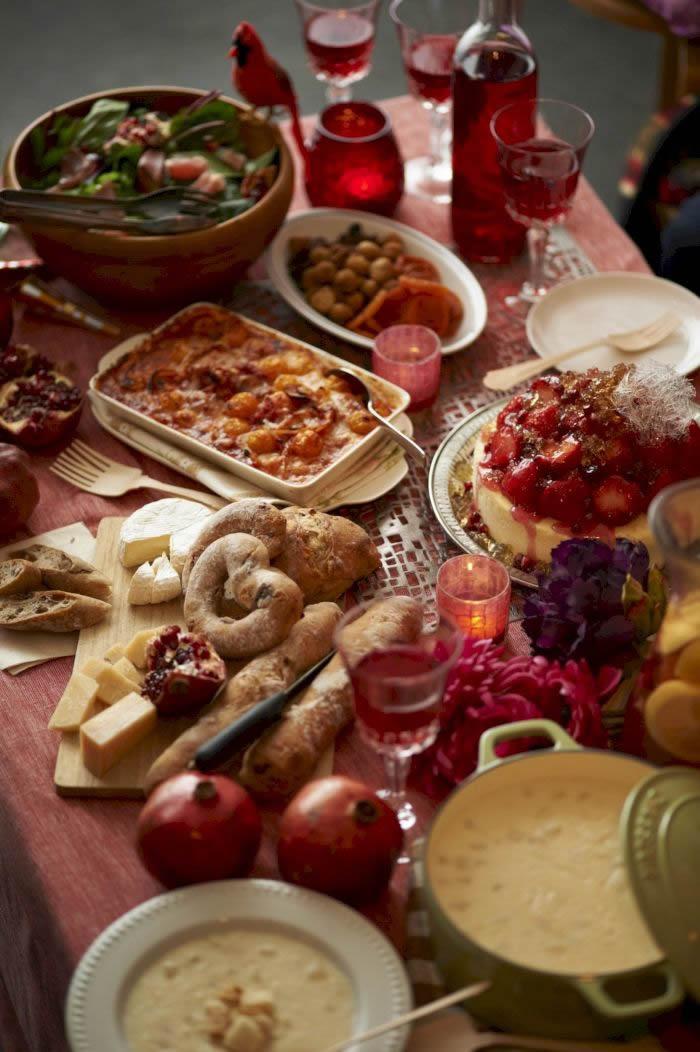 为什么我们在大餐之后还会感觉肚子饿?机体已经习惯在特定场合吃得过多
