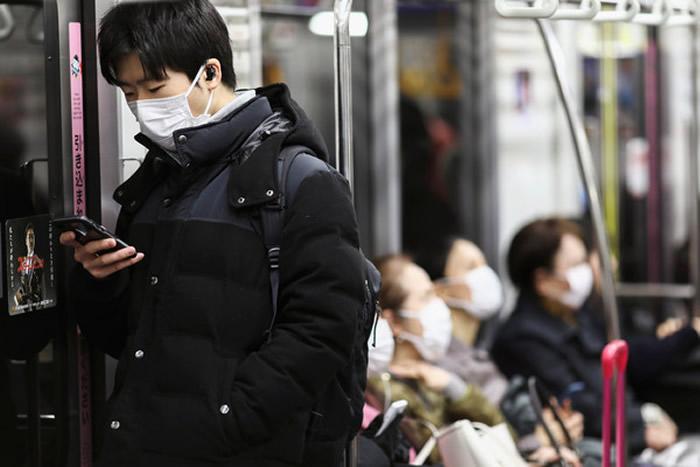 """日本公布新冠肺炎新标准""""发烧37.5度4天、有强烈疲倦感和呼吸困难""""再就医 网友批评"""
