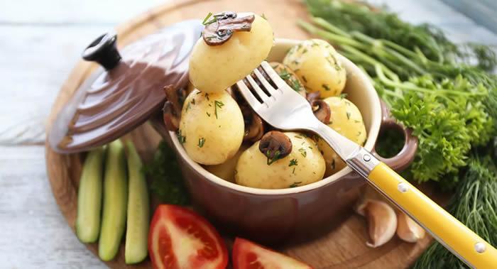 美国科学家发现被认为是有碍健康的土豆其实可以帮助改善健康状况