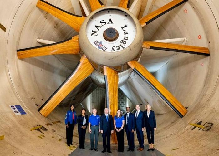 美国副总统彭斯:NASA将于夏季前在美国本土送美国人上太空
