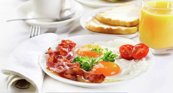 营养学家玛加丽塔·科罗廖娃:应在醒后一小时内吃早餐