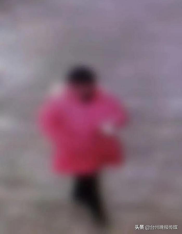 家属调阅监视器,发现只有一个人入山,没有同行者。(图/翻摄 台州晚报)