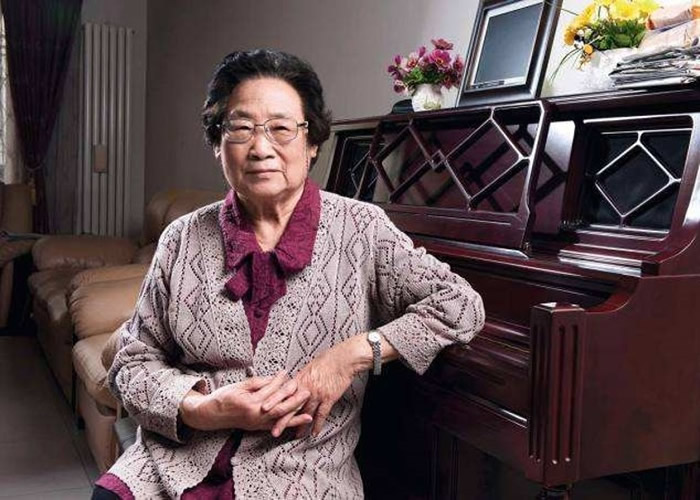 诺贝尔医学奖得主屠呦呦入选《时代》杂志最具影响力女性榜 盖茨妻子梅琳达亲撰评价