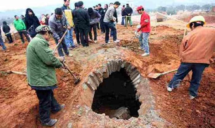 中国第一凶墓!湖北襄阳古墓暗藏7米断崖流沙 80盗墓贼惨死其中