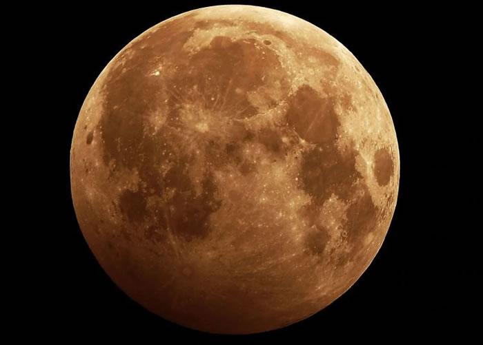 俄罗斯向月球的首个国产航天器发射计划于2021年10月1日进行