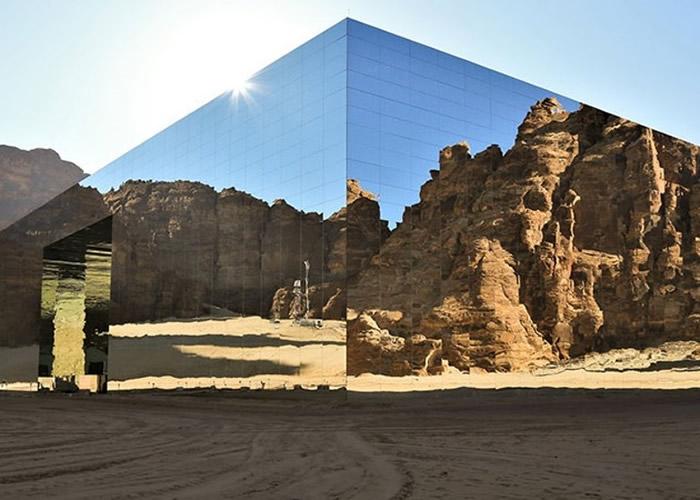 """世界最大镜面建筑!沙特阿拉伯埃尔奥拉落成镜墙达9740平方米的音乐剧院""""Maraya"""""""