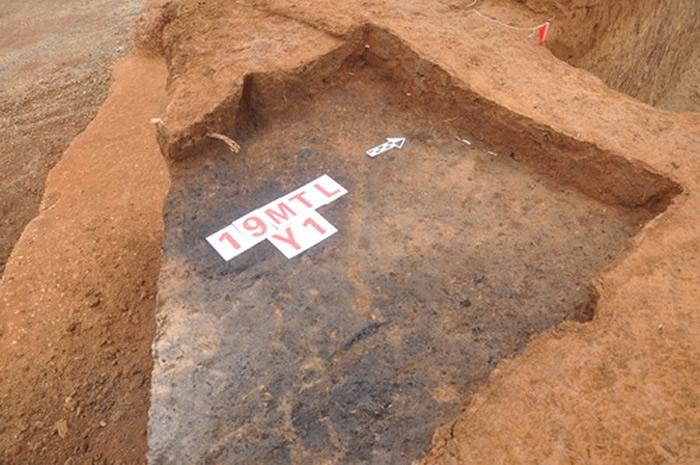 摩天岭遗址发现Y1遗迹