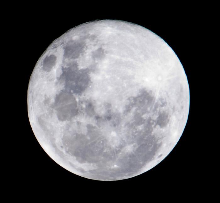 2020年4月8日年度最大满月