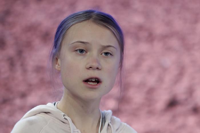 """瑞典环保少女桑柏格Greta Thunberg""""全身颤抖喉咙痛"""":我可能感染新冠肺炎"""