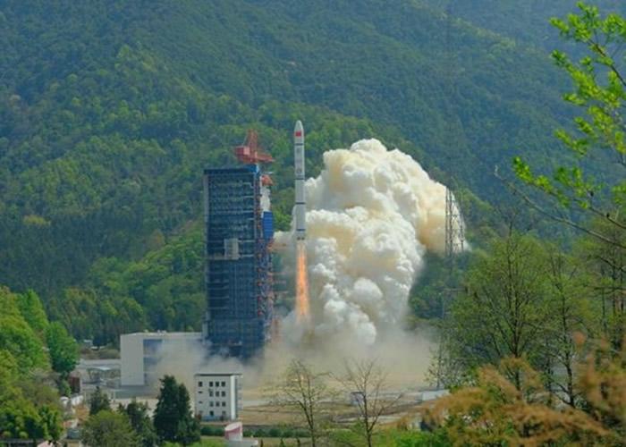 中国遥感三十号06组卫星升空开展电磁环境探测