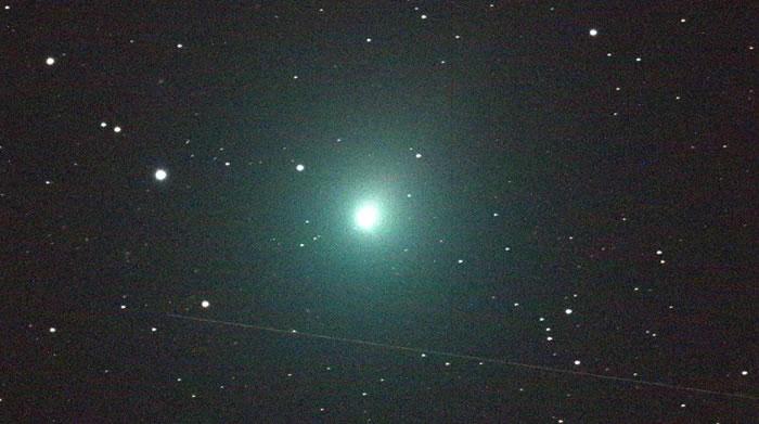 新彗星Atlas正随着其接近太阳而迅速变亮 很快就可以用肉眼观测到