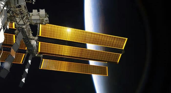 """国际空间站轨道4月2日计划提升900米 以确保俄""""胜利火箭""""发射活动"""