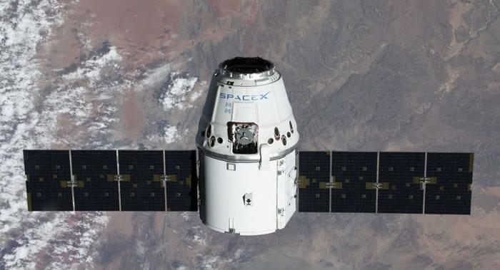 """美国""""龙""""货运飞船携科学材料离开国际空间站返回地球"""