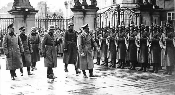 苏联军事反间谍机构锄奸局1945年5月5日在柏林发现阿道夫∙希特勒的尸体